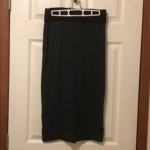 NY&co 7th Ave forest green pencil skirt black band